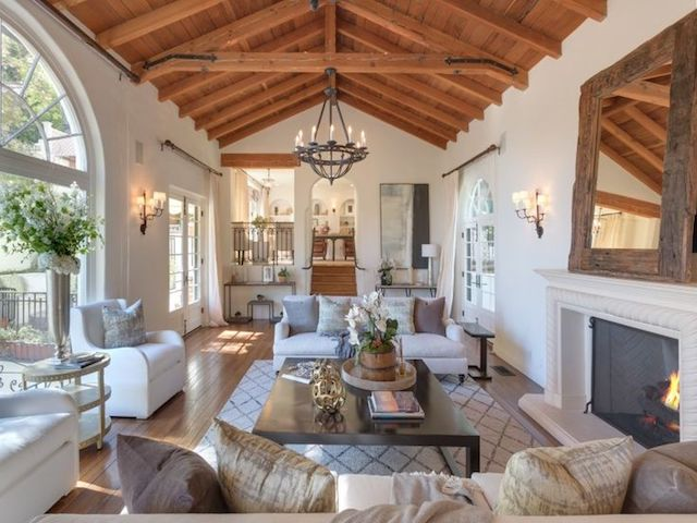 8440121e2c7a79cbd173dee4b73c199f--spanish-colonial-revival-house-colonial-house-interior.jpg