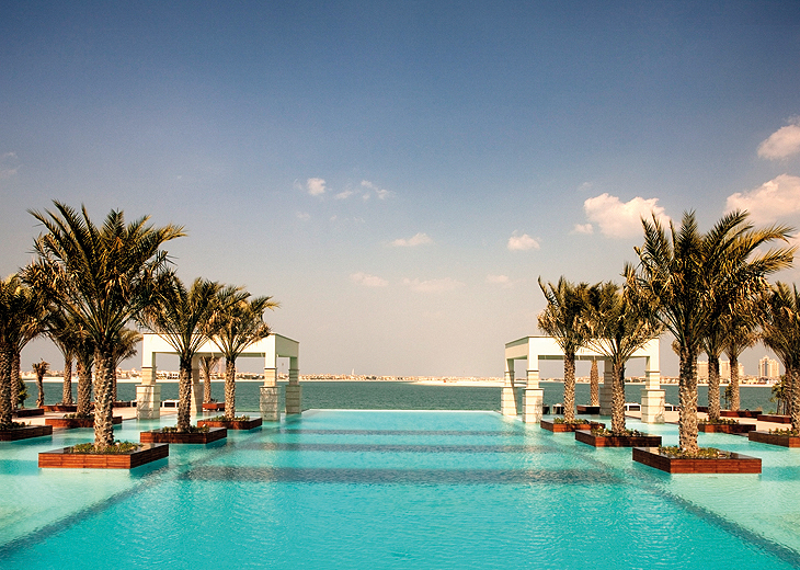 jum-zabeel-saray_pool_730x520.jpg